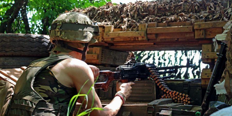 Бойовики вісім разів порушили режим тиші, біля Травневого гатили з артилерії