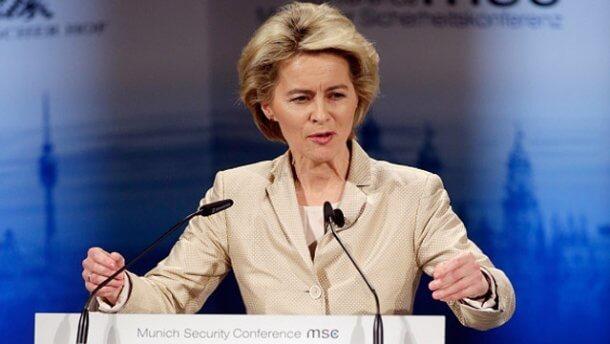Президент Єврокомісії пообіцяла зберегти санкції проти Росії