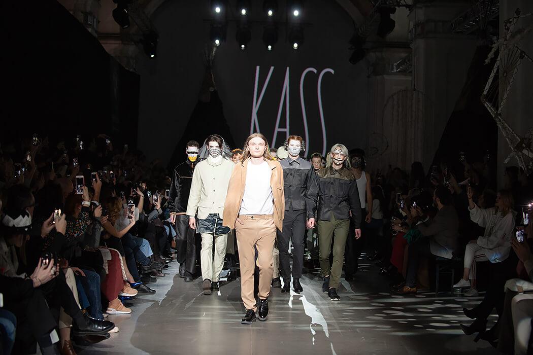 Після перерви в кілька сезонів, Богдан Касс, представив свою нову колекцію в рамках Ukrainian Fashion Week