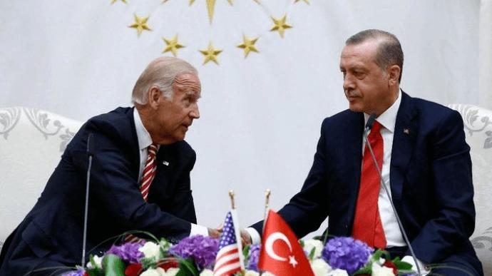 Байден особисто попередив Ердогана, що збирається визнати геноцид вірмен