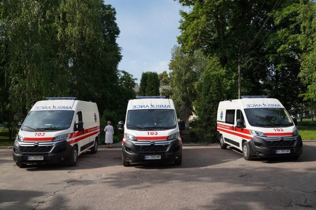 Київщина отримала 42 карети швидкої допомоги